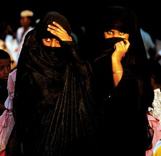 dress code for women travelling to middle east