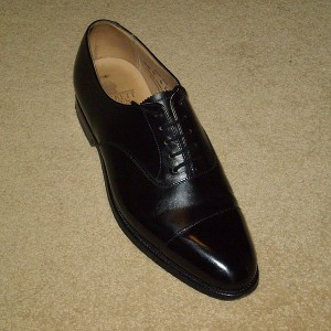 Oxford shoes - closed lacing
